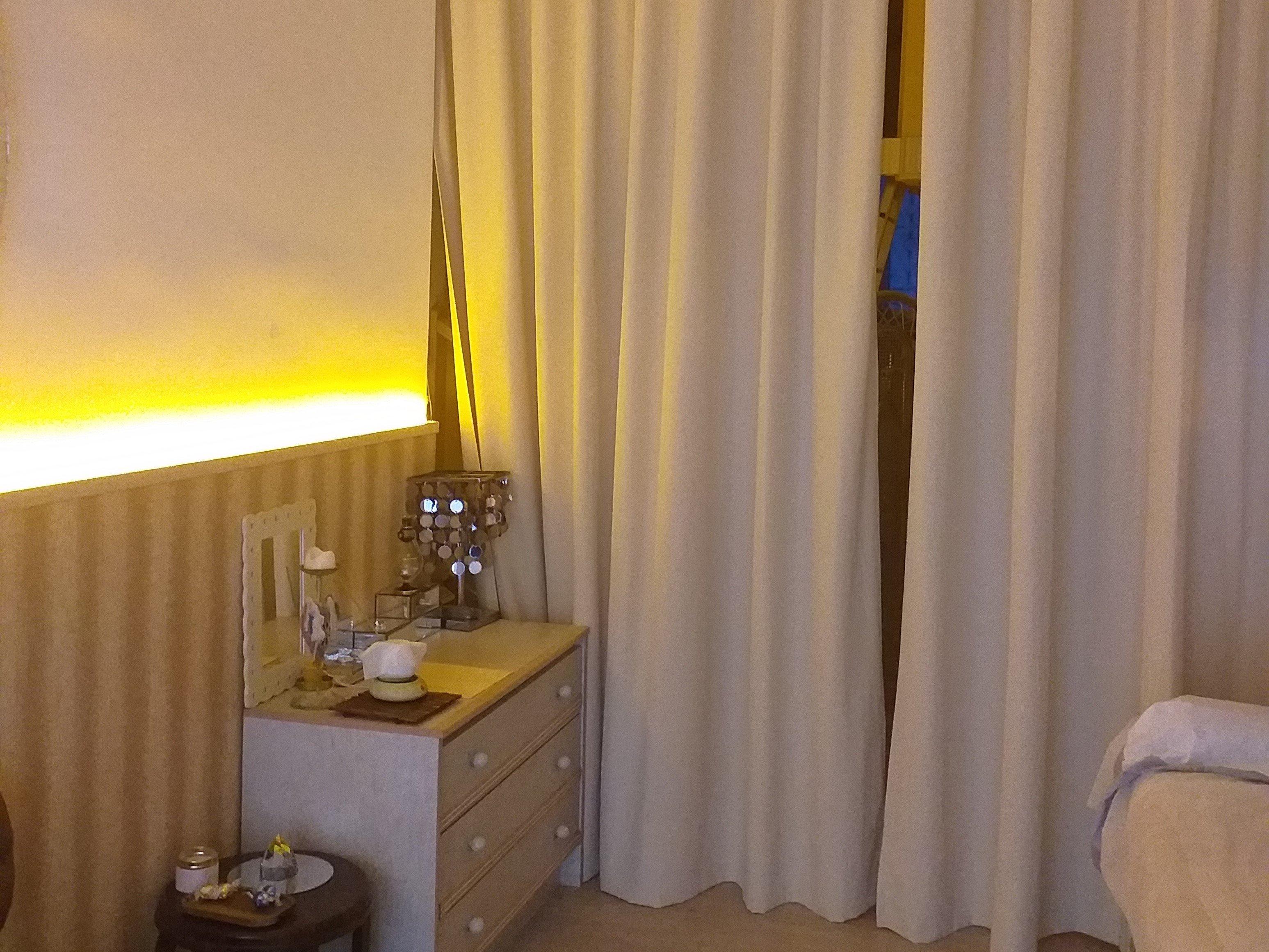 Sala con cortinas